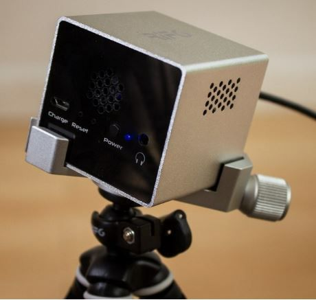 Cute-Mobile-Projector